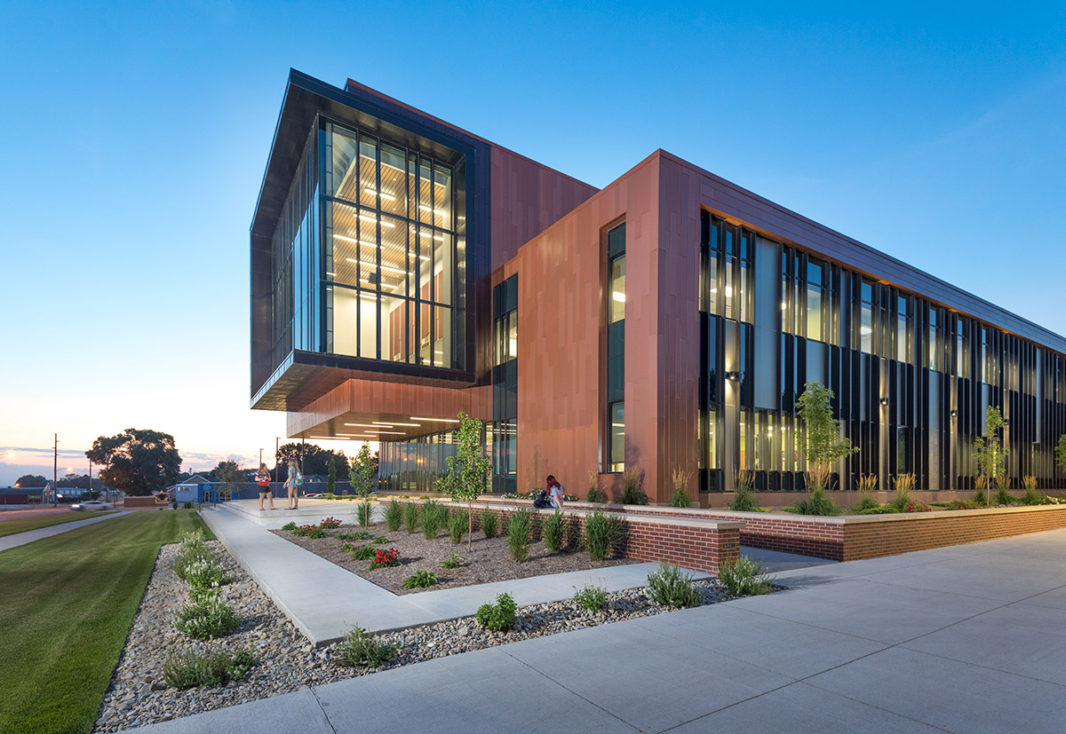 Northwestern College Natural and Health Sciences Building | Lighting | Mechanical Engineering Design Services | Engineering Design Associates, Inc. | EDA
