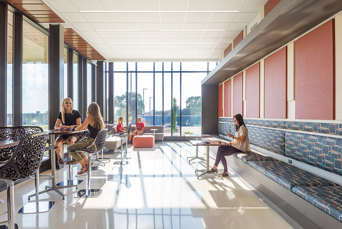 Northwestern College Natural and Health Sciences Building | Student Lounge | Mechanical Engineering Design Services | Engineering Design Associates, Inc. | EDA
